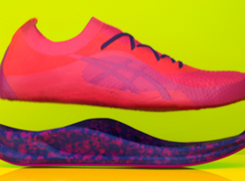 Asics将微波技术应用于跑鞋定制服务 15秒就能制成彩色鞋底