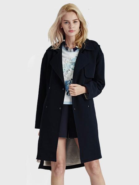 夺宝奇兵女装黑色大衣