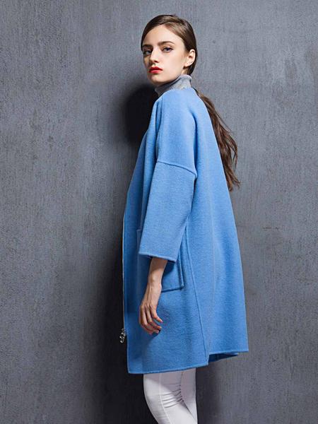 薇妮兰折扣女装秋冬蓝色大衣