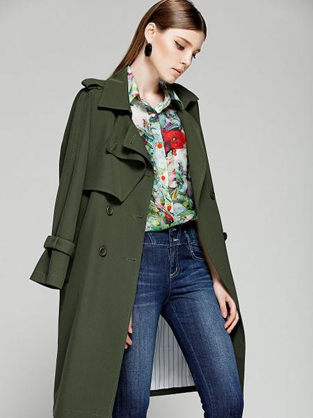 夺宝奇兵女装绿色大衣