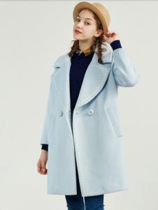 夺宝奇兵女装蓝色羽绒服