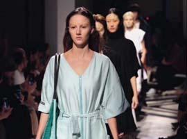 """""""表面繁荣""""的上海时装周要做深度?从卖货开始"""