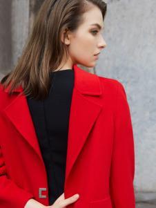 可姿伊红色呢大衣