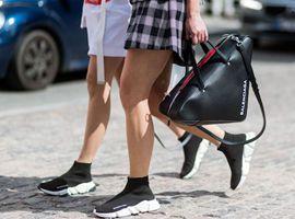 为什么一双袜子加个鞋底就能成为重金难买的爆款?(图)