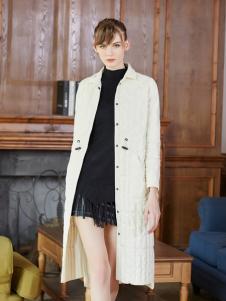 金蝶茜妮冬装新款白色羽绒服