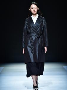 读衣拾年2017新款黑色大衣