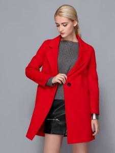 依路佑妮红色大衣