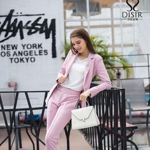 与国际时尚潮流同步!DISIR迪丝爱尔高端优雅品牌女装火爆招商中!