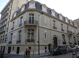 YSL巴黎纪念馆将在线展出约7000件藏品 讲背后的故事