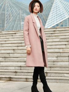 优衣美粉色大衣2017