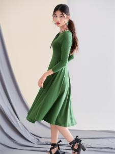 Three d 女装秋冬新款绿色连衣裙