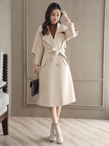 千姿惠女装新款白色大衣
