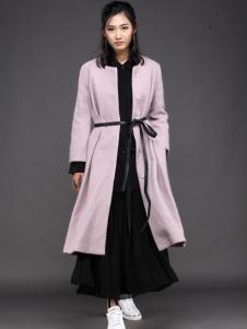 布兰雅女士大衣