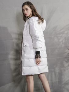 戴莉格琳白色羽绒服