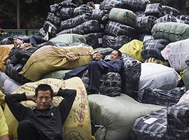 沙河淘宝店越来越多问题 广州服装批发重镇出路在哪里?