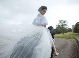 给Angelababy、李小璐提供婚纱的兰玉 她在想些什么?