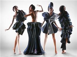这个设计师将多条李维斯牛仔裤重叠,艺术效果震撼