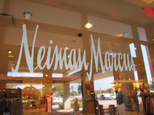 美国服饰零售业出现拐点 尼曼·马库斯百货恢复销售增长(图1)