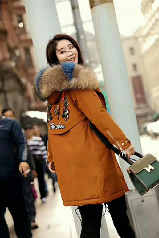 厂家直销2017冬季新款雪罗拉高端羽绒服时尚韩版风品牌女装批发