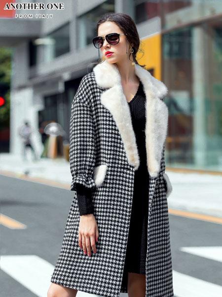 ANOTHER ONE女装经典格纹大衣