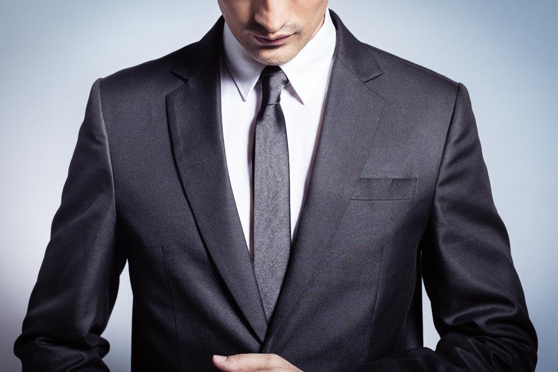 鑫迪斯服饰提供好的高级西服定制定制服务,西服定制