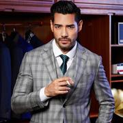 穿西装的男性最有魅力 博铂男装西服定制