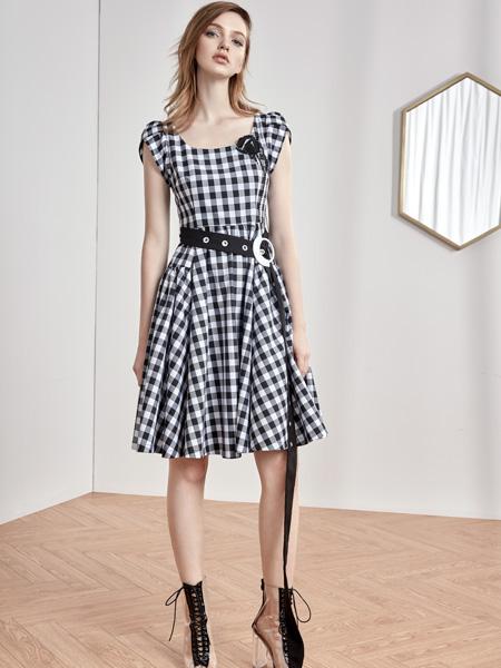 红贝缇18新款格子连衣裙