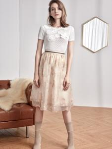 红贝缇18精致拼接连衣裙