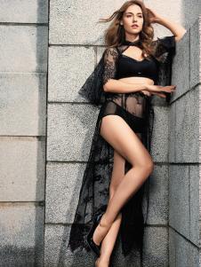 爱戴黑色性感内衣