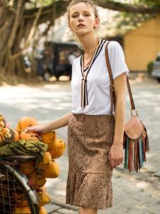 伊纳芙女装春夏新款包臀裙