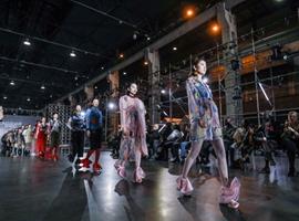 设计连接世界 时尚点亮爱心——2018哈尔滨时装周暨首届世界时尚设计师大会华彩落幕