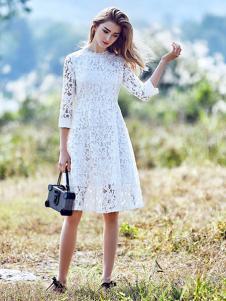 介喜JoyCapita白色连衣裙