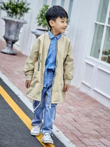金果果18男大童新款风衣