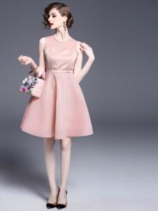 司合伊18新款连衣裙
