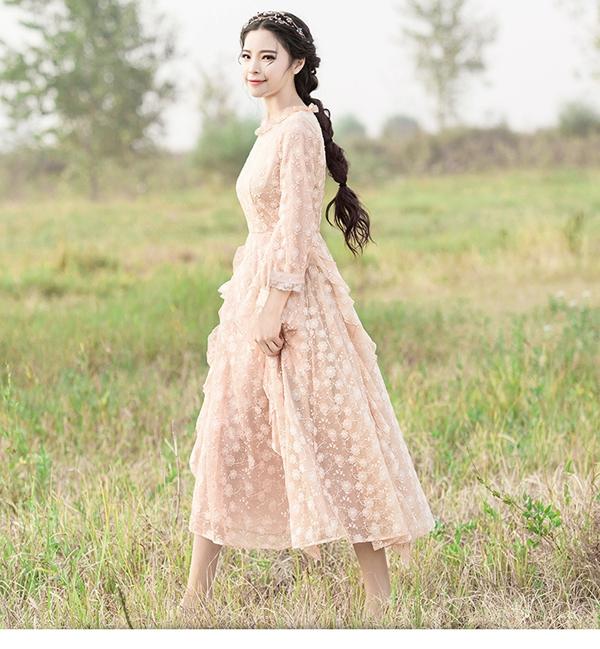 司合伊女装 感受春季的浪漫