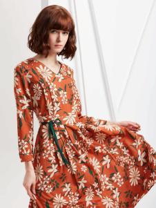 蔓露卡18新款连衣裙M825196