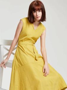 蔓露卡18新款连衣裙M815062