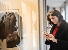 千禧一代的崛起 奢侈品行业电商销售额将持续上涨