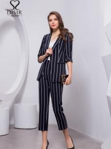2018迪丝爱尔知性条纹套装