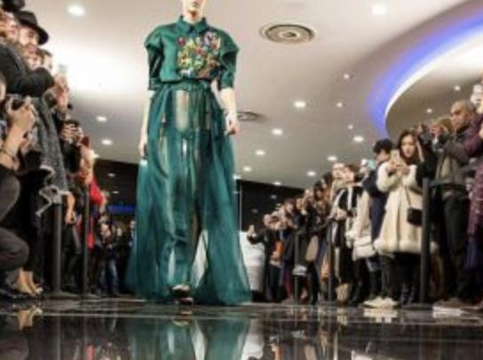 华人设计师LIU CHAO亮相巴黎高定