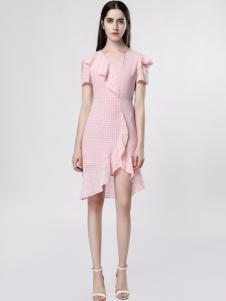 音非女装粉色荷叶边连衣裙