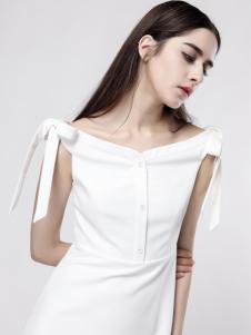 音非一字肩白色修身连衣裙