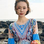 轻波西米亚风格印巴文化女装: 鸡去长空辞旧岁、狗来大地迎新春!