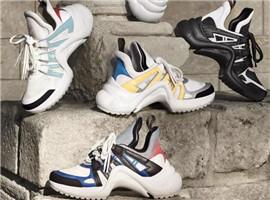 LV全新复古运动鞋能打破Balenciaga Triple S的神话?