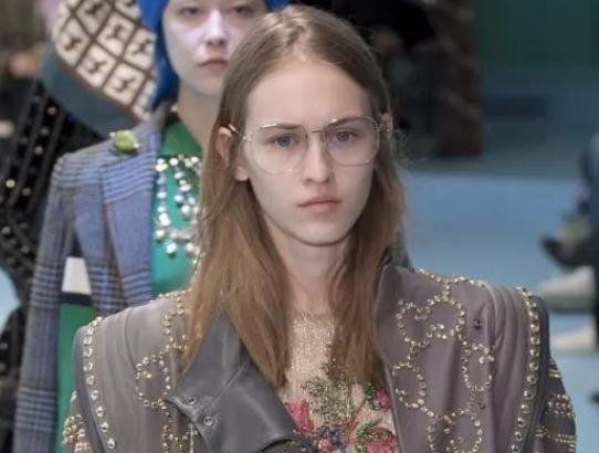 请问,Gucci是用掷骰子决定哪种元素进行搭配吗?