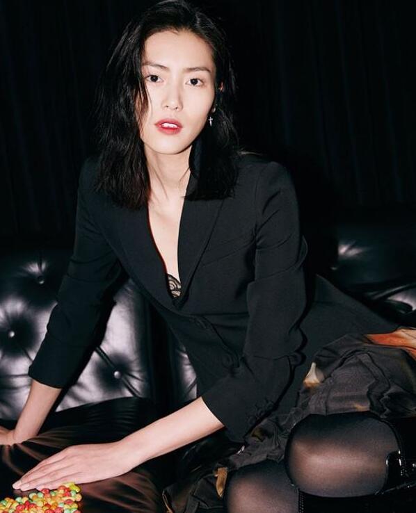 刘雯出席米兰时装周