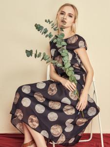 读衣拾年18春装新款连衣裙