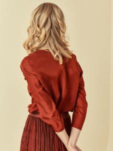 读衣拾年18新款砖红色套装