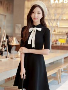 YOSUM18新款黑色连衣裙