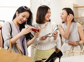 """三八妇女节被称作""""女王节"""" 零售商的包装商机"""